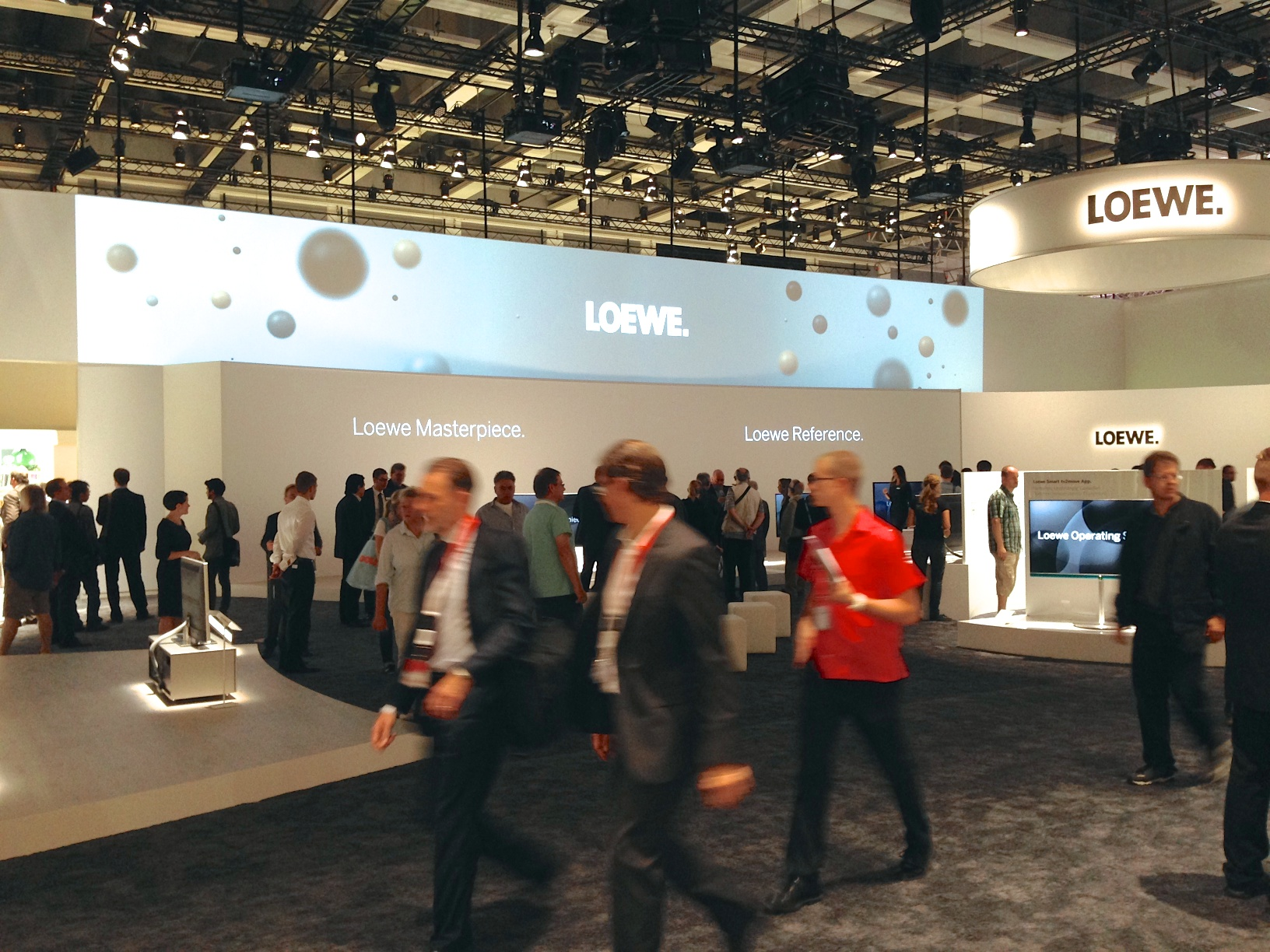 loewe messestand zur ifa berlin kopfquadrat gmbh. Black Bedroom Furniture Sets. Home Design Ideas